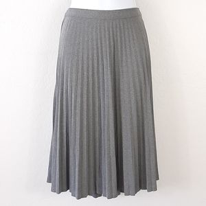 GAP Gray Pleated Polyester Skirt Size M